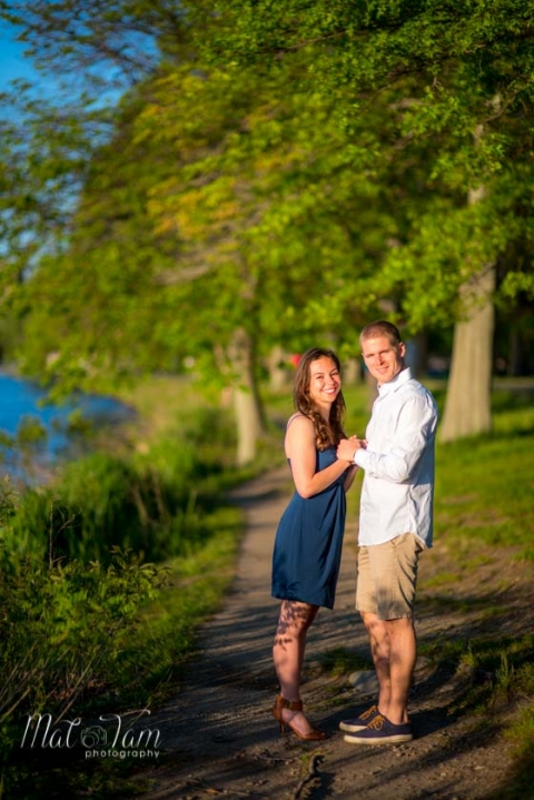 boston-couples-photographers-charles-river